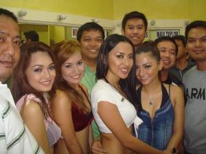 Group Photo with Mocha Girls
